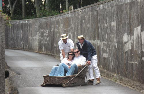 En na het bezoeken van de Tropical Botanical Gardens met de Toboggan terug naar Funchal.