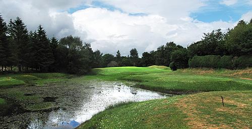 En om af te sluiten nog even snel 9 holes op Ross Golf Club!