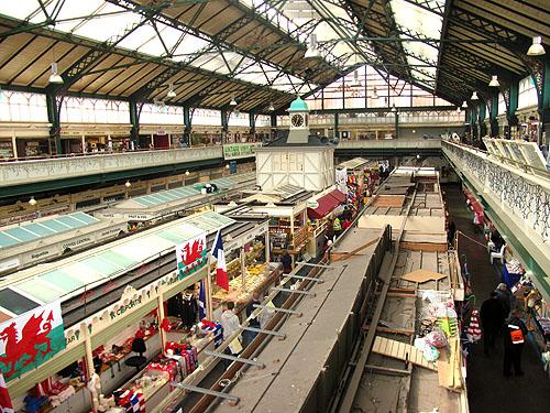 """Cardiff Market is voor liefhebbers van oude stadsmarkten een echte """"must""""."""