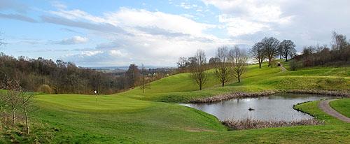 De Montgomery Course, heuvelachtig met uitdagende holes