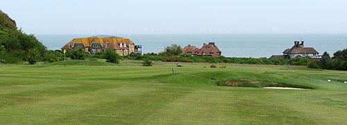 "North Foreland Golf Club, negen ""cliff top"" holes en negen seaside holes."
