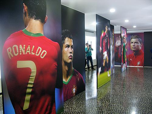 Voor voetballiefhebbers is het genieten in het Cristiano Ronaldo Museum.